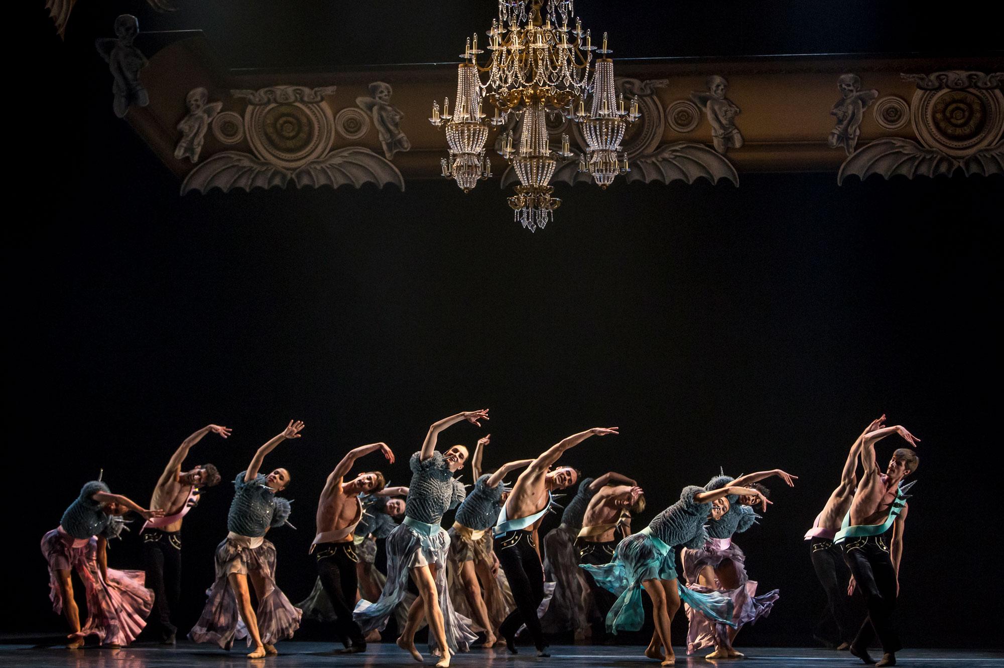 Ballet du Grand Théâtre de Genève, Casse-Noisette de Piotr Illitch Tchaïkovski, novembre 2014. Chorégraphie : Jeroen Verbruggen.
