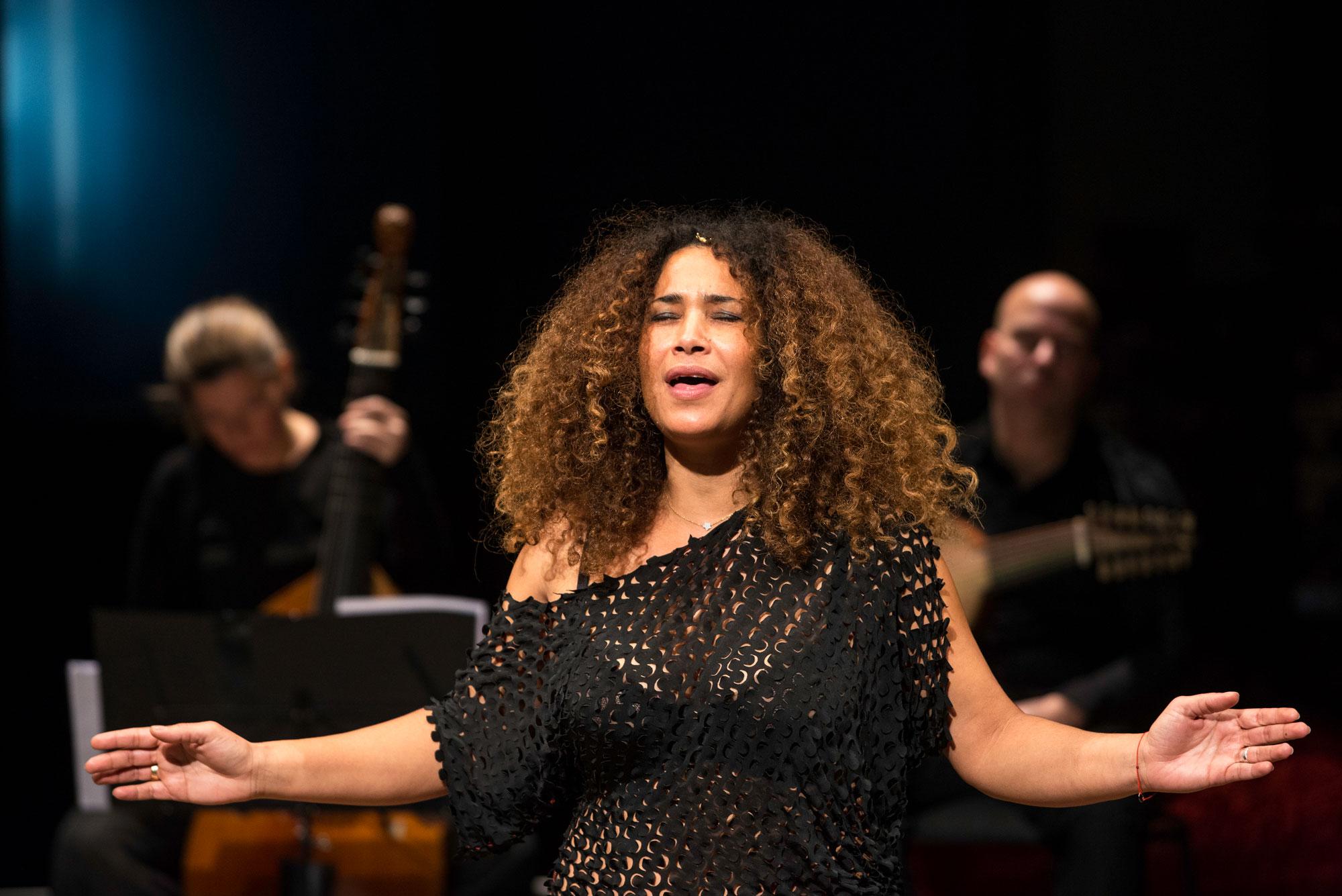 Ghalia Benali dans L'Allégorie du désir par Zefiro Torna / Vocalconsort Berlin / Ghalia Benali