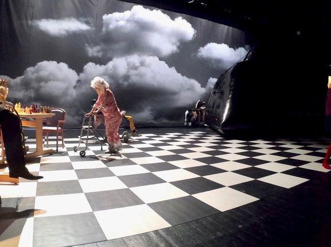 Alice, de l'autre côté